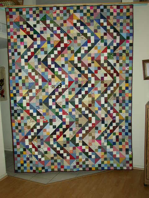 Sophie's Scrappy Jacoob's Ladder Stirppy Quilt